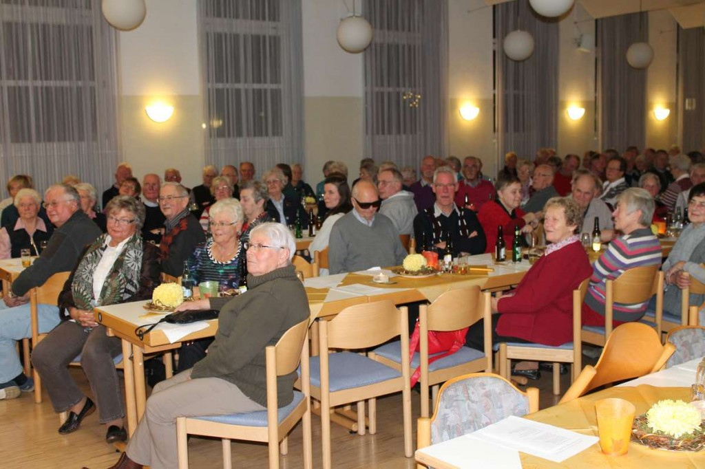 200 Gäste beim Heimatabend in Laggenbeck Bild Reihnold Kortebrock